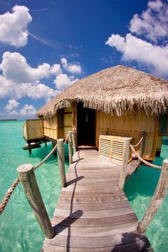 bora bora - very shiny water with hay roof, made out wood and a bridge to the door and a good place to do canon balls.
