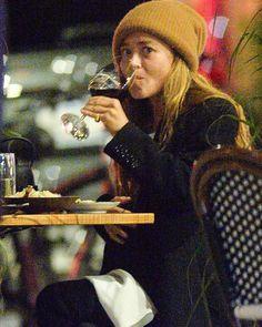Mary Kate Ashley, Mary Kate Olsen, Olsen Twins, Ashley Olsen, Him Band, Old Actress, Fashion Line, Elizabeth And James, Her Hair