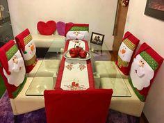 Crochet decoracion sillas 30 ideas for 2019 Merry Christmas, Christmas Tree Toppers, Christmas Time, Christmas Projects, Christmas Crafts, Christmas Ornaments, Christmas Stockings, Christmas Chair Covers, Xmas Table Decorations
