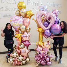 23 Clever DIY Christmas Decoration Ideas By Crafty Panda Balloon Tower, Balloon Backdrop, Balloon Columns, Balloon Decorations Party, Balloon Garland, Birthday Party Decorations, Party Themes, Birthday Parties, Birthday Cards