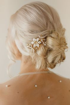 Sweet V Bridal Accessory Lookbook Photo Shoot - Kristen Booth Photography. Romantic fairytale bridal accessories. Gold bridal hair pin Fairytale Bridal, Fairytale Weddings, Romantic Weddings, V Hair, Headpiece Jewelry, Pregnant Couple, Bridal Hair Pins, Couple Posing, Maternity Photographer