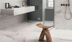 Explore the Tele di Marmo Reloaded Collection by Emilceramica: marble-effect porcelain stoneware Five new natural and semi-polished marbles. Bathroom Renos, Bathroom Wall, Bathrooms, Porcelain Ceramics, Porcelain Tile, Calacatta Gold, Marble Effect, Bathroom Inspo, Large Format