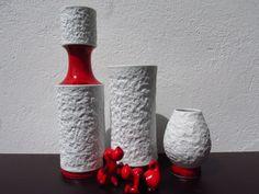 Bisquitvasen Set aus 3, weiße Vasen Bisquitporzellan, Germany Royal Porzellan Bavaria KPM 60er 70er, Op Art Swing Vase von ShabbRockRepublic auf Etsy