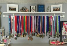 DIY Running Medal Display Shelf - how to display athletic awards and plaques Trophy Shelf, Trophy Display, Award Display, Display Shelves, Display Medals, Race Medal Displays, Medal Display Case, Diploma Display, Ribbon Display