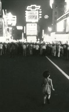 Pablo in Times Square, Robert Frank. American, born in Switzerland, 1924 The Americans, History Of Photography, Documentary Photography, Street Photography, Funeral Photography, Famous Photography, Photography Magazine, Photography Tips, Monochrome Photography