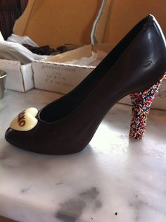 Chocolate shoe with rainbow sprinkles from Xoxolat! Rainbow Sprinkles, Chocolate Strawberries, Candy Buffet, Icing, Peep Toe, Strawberry, Treats, Nails, Shoes