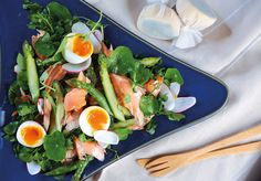 This light salad of smoked salmon, asparagus and soft boiled egg is perfect for a summer picnic. Home Journal, August, 2017. Photography: Moses Ng