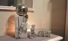 KL47 – Kleine Säule dekoriert mit natürlichen Materialien, einer großen und kleinen Edelstahlkugel und einer Metallblume! Preis 44,90€ Höhe ca 40cm Loveschriftzug aus Beton 11,90€ Breite 25cm Froschkönig 7,90€ Höhe 15cm