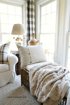 Savvy Southern Style : The Neutral French Country Sun Room French Country Rug, French Country Bedrooms, French Country Living Room, Country Farmhouse Decor, Farmhouse Style Decorating, French Country Decorating, French Cottage, Cottage Decorating, Southern Living