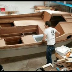 Boat Discover Core Sound 20 flip Rotating a boat the easy way! B&B Yacht Designs Plywood Boat Plans, Wooden Boat Plans, Wooden Boat Building, Boat Building Plans, Yacht Design, Boat Design, Small Fishing Boats, Wooden Kayak, Sailboat Interior