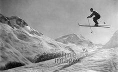 Skilaufen ullstein bild - ullstein bild/Timeline Images #1928 #Skifahren #Winter #Alpen #Skifahrer #Ski #Skiing #Berge #Skisprung