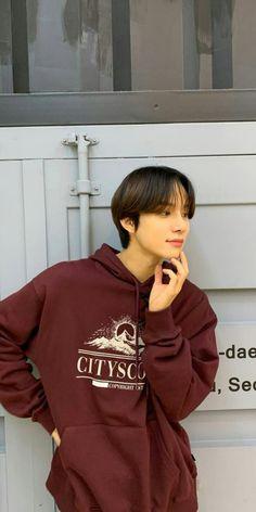 Jung Woo, Nct 127, Nct Dream, Graphic Sweatshirt, Sweatshirts, Boys, Sweaters, Jackets, Wallpapers