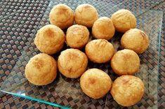 Μπαλίτσες πατάτας γεμιστές με τυρί και ζαμπόν!!! ~ ΜΑΓΕΙΡΙΚΗ ΚΑΙ ΣΥΝΤΑΓΕΣ Breakfast Snacks, Cornbread, Charleston, Food To Make, Snack Recipes, Muffin, Food And Drink, Chips, Peach