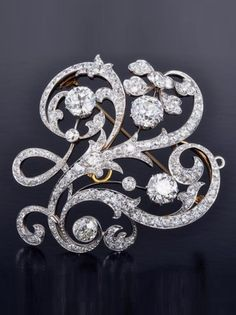 Dreicer & Co. - An Edwardian Diamond Brooch. #Dreicer #Edwardian