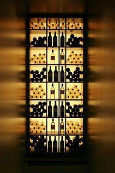 Efektownie podświetlony regał na alkohol na pewno zrobi wrażenie na Twoich gościach. Po pozostałe inspiracje zapraszam do posta u Pani Dyrektor - czeka na Ciebie 50 inspiracji i pomysłów na to, jak zaprojektować i zaaranżować miejsce na alkohol w Twoim domu w wersji mini - zapraszam!
