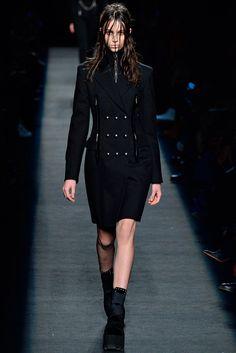 Alexander Wang Fall 2015 Ready-to-Wear Fashion Show - Larissa Marchiori