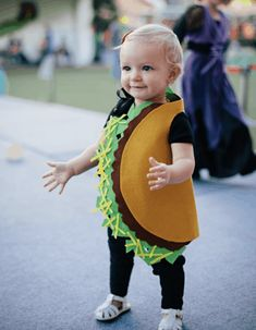 Sugar & Cloth: DIY Halloween Costumes for Kids and Babies. See all the costume ideas here! #costumes #kids #halloween #diy #boys #girls #siblings #creative #cute #toddlers Toddler Boy Halloween Costumes, Diy Halloween Costumes For Kids, Costumes Kids, Costume Ideas, Holiday Costumes, Halloween Design, Care Bear Costumes, Candy Costumes, Hipster Halloween Costume