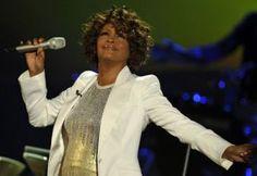 Família da cantora Whitney Houston fala pela primeira vez da sua morte http://aguriadourada.blogspot.com/2012/03/familia-da-cantora-whitney-houston-fala.html