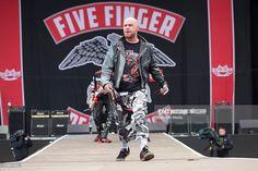 Nachrichtenfoto : Ivan L. Moody of Five Finger Death Punch band...
