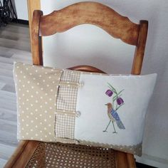 Sewing Pillows, Throw Cushions, Diy Projects To Try, Sewing Projects, Cushion Covers, Pillow Covers, Felt Pillow, Home Sew, Pillow Fight