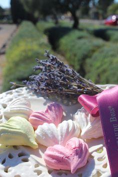 Delicious fine lavender meringues made with Le Château Du bois essential oil ! WWW.LECHATEAUDUBOIS.FR