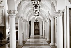 Marble - complex, Traditional, Barn, Columns, Chandelier