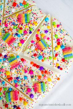 This Candy Rainbow Bark would be perfect for any birthday party to St. Patrick's Day! Cheer up someone's day, too!| mynameissnickerdoodle.com