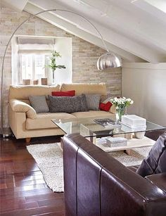 Ático abuhardillado decorado con piedra natural | Casa Diez | #piedra #design #interiorism #architecture