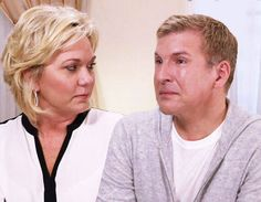 Hollywood Medium s Tyler Henry Helps Todd and Julie Chrisley Finally Find Peace After… #Paparazzi #chrisley #helps #henry #hollywood