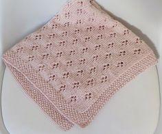 Free Pattern – Crochet Bobble Lines Baby Blanket Free Knitting, Baby Knitting, Knitting Patterns, Crochet Patterns, Baby Bikini, Knitted Baby Blankets, Baby Girl Blankets, Crochet For Kids, Crochet Baby