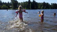 Lapsi ei tarvitse lomallakaan kalliita elämyksiä – vanhempien fiiliksellä suurin merkitys