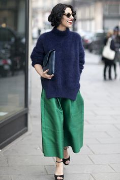 The Best Street Style at Paris Fashion Week Very stylish! The Best Street Style at Paris Fashion Week Looks Street Style, Looks Style, Mode Outfits, Fashion Outfits, Fashion Trends, Workwear Fashion, Fashion Blogs, Stylish Outfits, Look Fashion