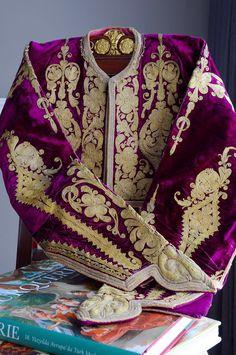 The deep cyclamen colour silk velvet ground decorated with richly metal thread embroidery Ottoman jacket 'Cepken' from OZER Art & Antique textile-costume collection Early 19th century, Turkey   /   Koyu sıklamen ipek kadife üzerine zengin metal kordon işçiliğiyle işlenmiş Osmanlı cepken . Antika tekstil-kostüm koleksiyonumuzda görebilirsiniz. 19yy başı , Türkiye. instagram  @ozer_artantiques