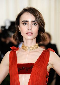"Lily Collins's ""Ethereal Robot"" Beauty at the 2016 Met Gala"