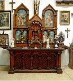 Catholic altar designs for home Meditation Altar, Meditation Space, Home Altar Catholic, Altar Design, Prayer Corner, Rustic Home Interiors, Bohemian Bedroom Decor, Religion, Prayer Room