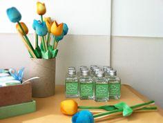 Difusores personalizados com flor de madeira + potinho com essência. R$7.00