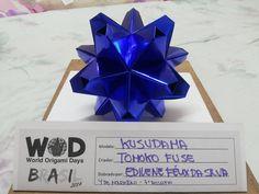 World Origami Days  7° desafio: dobrar um qualquer origami sendo na cor AZUL!!!