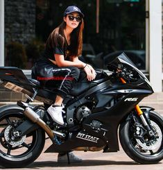 Beautiful Thailand Girl Model Hana Lewis With Yamaha Bike Stylish Photo Pose, Stylish Girls Photos, Stylish Girl Pic, Biker Photography, Model Poses Photography, Cute Girl Poses, Girl Photo Poses, Beautiful Girl Photo, Beautiful Asian Girls