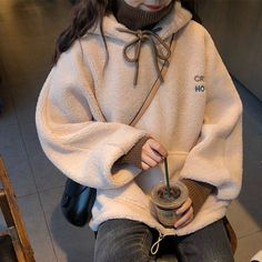 Source by clothes fashion Korean Fashion Trends, Korean Street Fashion, Korea Fashion, Asian Fashion, Look Fashion, Girl Fashion, Winter Fashion, Fashion Outfits, Mode Outfits