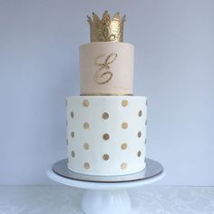 pies-to-taufe-royal-raised-renamed locations-pie-to-taufe-to-crown-deco - Wedding Ideas Teen Cakes, Girl Cakes, Pretty Cakes, Cute Cakes, After Eight Torte, Sweet 16 Cakes, Gateaux Cake, First Birthday Cakes, 30th Birthday Cake For Her
