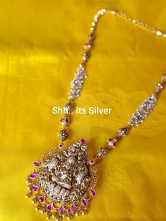 Indian Jewelry Earrings, Silver Jewellery, Bridal Jewelry, Jewelery, Jewelry Necklaces, Gold Necklace, Cotton Saree Designs, Blouse Designs, Gold Haram
