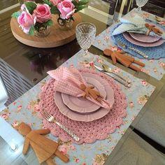 Vintage Tea Parties, Crochet Table Runner, Napkin Folding, Vintage Crafts, Mug Rugs, Crochet Home, Art Decor, Diy And Crafts, Table Settings