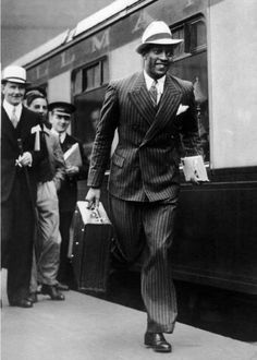 ♍ Olympic icon Jesse Owens (1913-1980) seen here in August 1936, won a record 4 gold medals at the 1936 games in Berlin, right in Adolph Hitler's face. I'm proud to include him in the #Sportsmen chapter of Vintage Black Glamour: Gentlemen's Quarters.