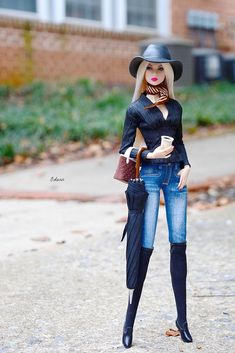Toy dolls residences, many methods from classic wood-based residences to effectively Barbie Dreamhouses. Barbie Style, Barbie Model, Barbie Fashionista Dolls, Diva Dolls, Dolls Dolls, Fashion Royalty Dolls, Fashion Dolls, Sewing Barbie Clothes, Diy Clothes