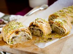Feijoa honey and pistachio strudel recipe, Viva – Feijoas are scrumptious with flavours of honey and pistachios wrapped in filo pastryampnbsp - Eat Well (formerly Bite) Gourmet Recipes, Healthy Recipes, Fruit Recipes, Strudel Recipes, Filo Pastry, Crumble Recipe, Shortbread Recipes, Tray Bakes, Food Print