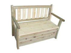 Drewniana ławka ze skrzynią