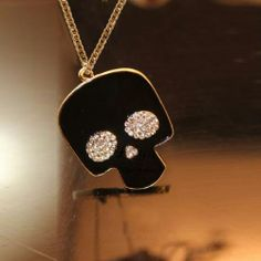 Trendy Skull Head Pendant Crystal Decor Necklace