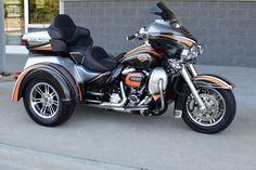 2017 Harley Davidson Tri-Glide Trike Custom Flawless. Retail Price: $50,000 (£38,580), Sale Price: $41,808 (£32,263.23)
