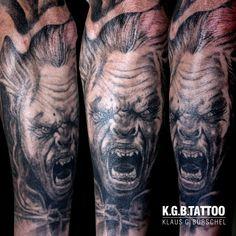 Photo by (michiloeffel1976) on Instagram   #lurz #urukhai #urukhaitattoo #ork #orktattoo #lordoftherings #lordoftheringstattoo #fantasytattoo #armsleeve #blackandgreytattoo #realistictattoo #koerperkunst #bodyart #tattooart Lord Of The Rings Tattoo, Fantasy Tattoos, Black And Grey Tattoos, Cover Design, Body Art, Tattoo Designs, Instagram, Black And Gray Tattoos, Body Mods