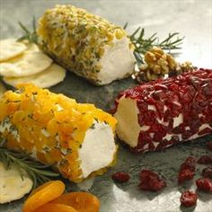 Goat Cheese Log Rolled in Dried Apricot & Rosemary recipe: This recipe will create a beautiful appetizer that combines the sweetness of dried apricot and the tanginess of goat cheese. It is perfect with crackers and will impress your guests! Homemade Goats Cheese, Goat Cheese Recipes, Holiday Appetizers, Appetizer Recipes, Elegant Appetizers, Dried Apricots, Dried Fruit, Tapas, Cheese Log